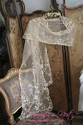 Beautiful Antique BRUSSELS LACE.......